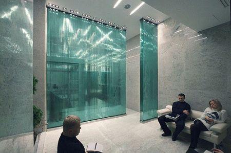Перегородки из клееного стекла и стеклянные стены